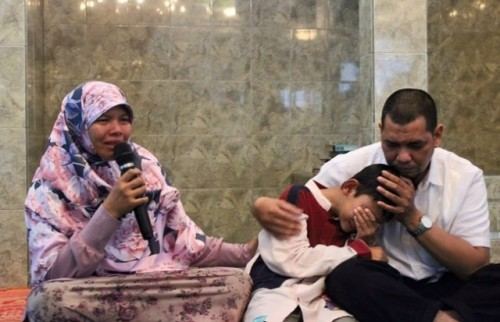 Yasin-dan-kedua-orangtuanya-Facebook-Adam-Ibrahim-Aql-640x413